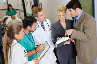 CRNAs and ICU nurses working together